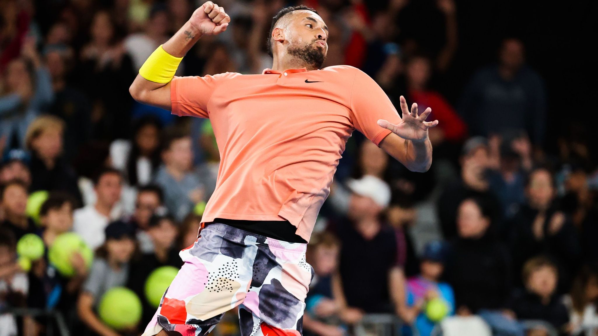 Rafael Nadal stays on Australian Open collision course with Nick Kyrgios
