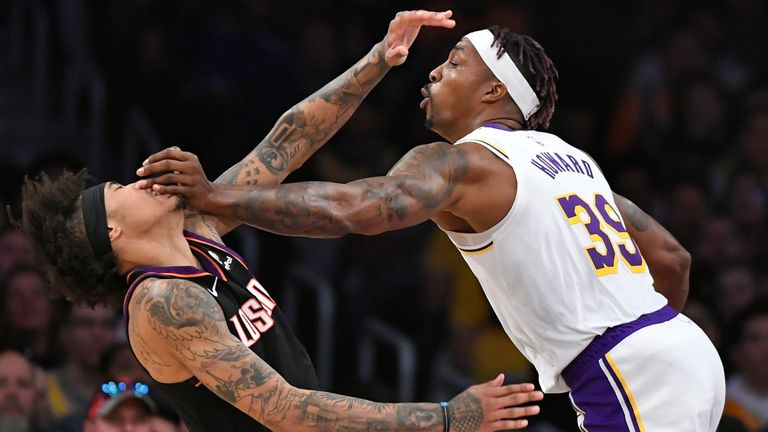 Dwight Howard fouled Kelly Oubre in the Lakers' win over the Suns