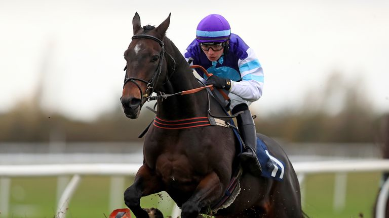 Highly Prized, ridden by Ben Jones, jumps the last