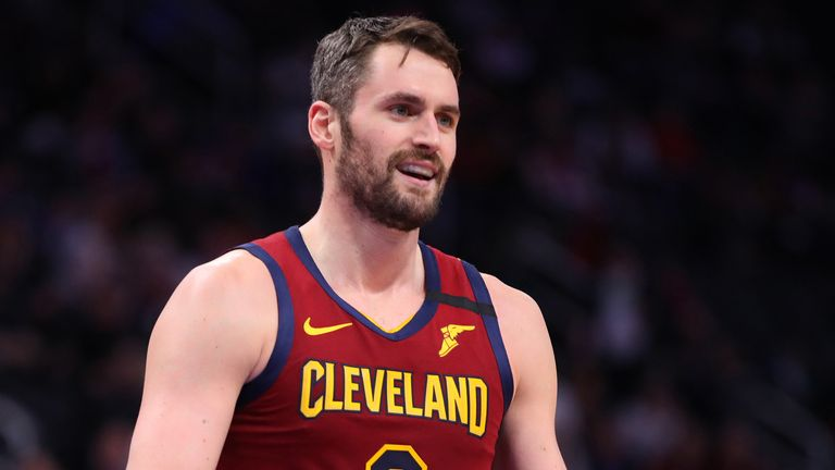 Kevin Love celebrates a basket against Detroit