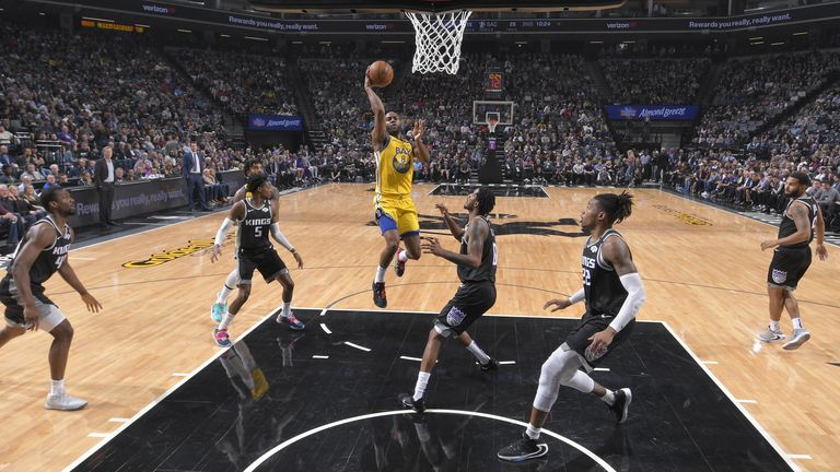 Alec Burks of the Golden State Warriors shoots the ball against the Sacramento Kings