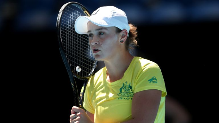 Australian and world No 1 Ashleigh Barty will donate her prize money from this month's Brisbane International to the bushfire relief fund
