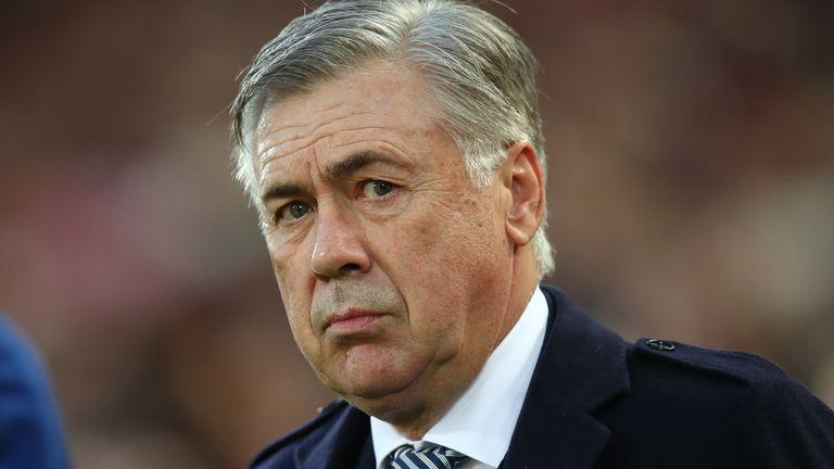 El manager del Everton, Carlo Ancelotti, y su equipo y personal han entrado en autoaislamiento.