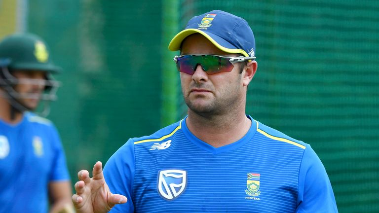 South Africa coach Mark Boucher is encouraging his players to be smart, rather than 'mavericks'