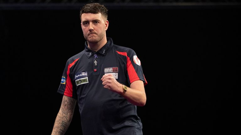 Dave Parletti is heading to Q-School after a successful year on the BDO circuit alongside his day job as a postman