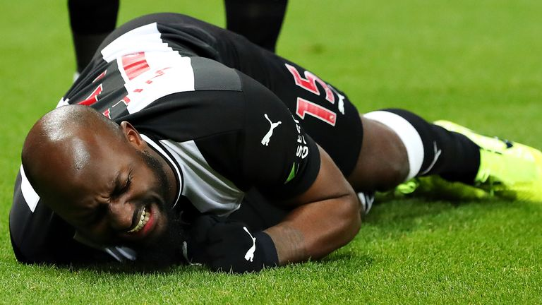Newcastle's Jetro Willems injured against Chelsea