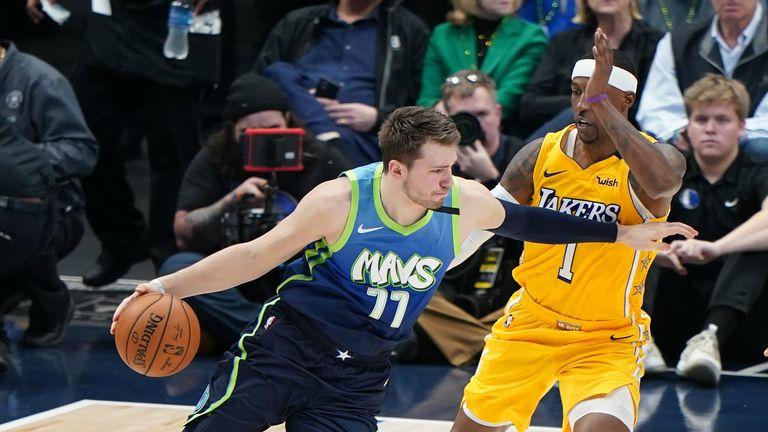 La Lakers Cruise To Victory Over The Dallas Mavericks Nba
