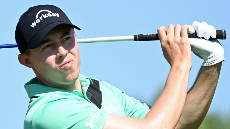 Laporta fab finish puts him lead in Abu Dhabi