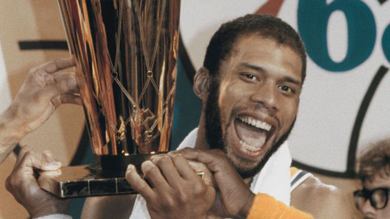 Kareem Abdul-Jabaar's 38,387 points has appeared untouchable for years. Could LeBron pass him?