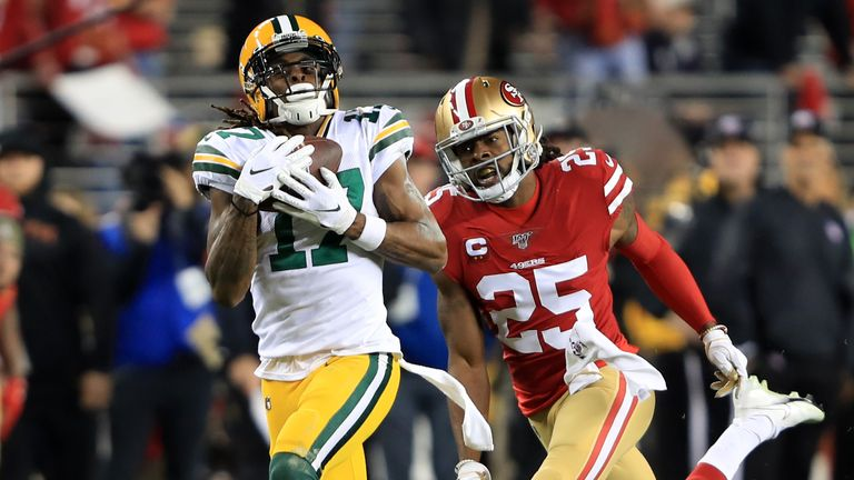 Davante Adams #17 of the Green Bay Packers makes a catch against the San Francisco 49ers during the second half of the NFC Championship game at Levi's Stadium