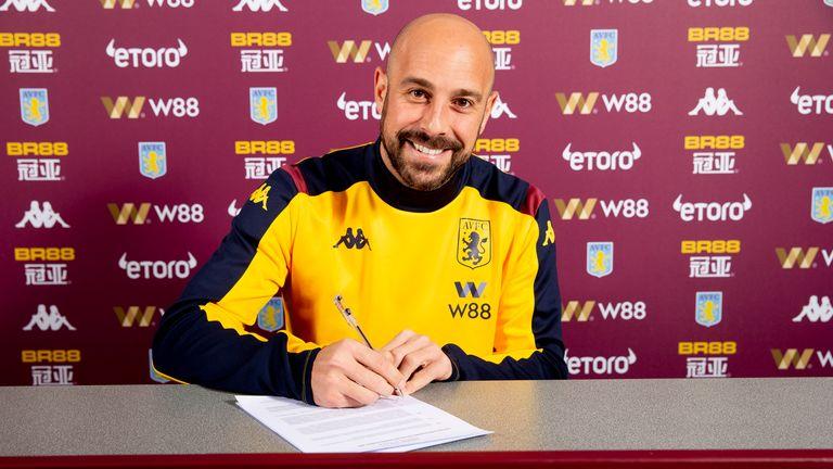 Pepe Reina signs for Aston Villa