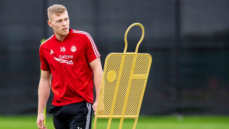 It is understood Guingamp offered £2.5m to Aberdeen for striker Sam Cosgrove