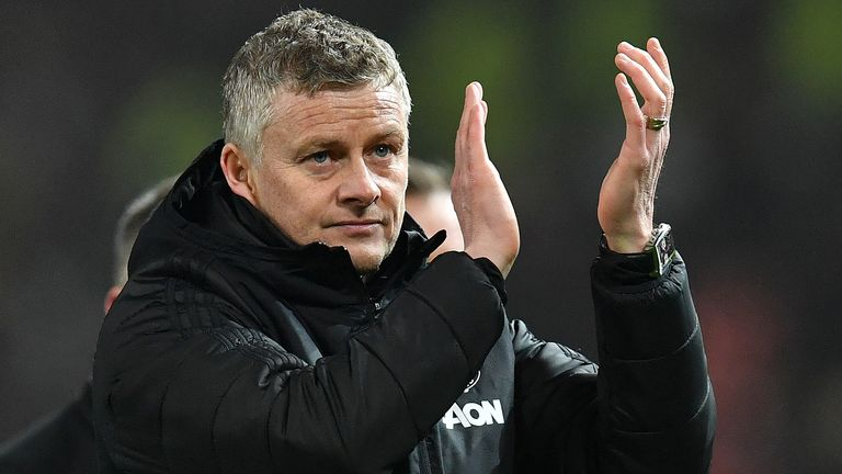 Ole Gunnar Solskjaer thanks the fans after the final whistle