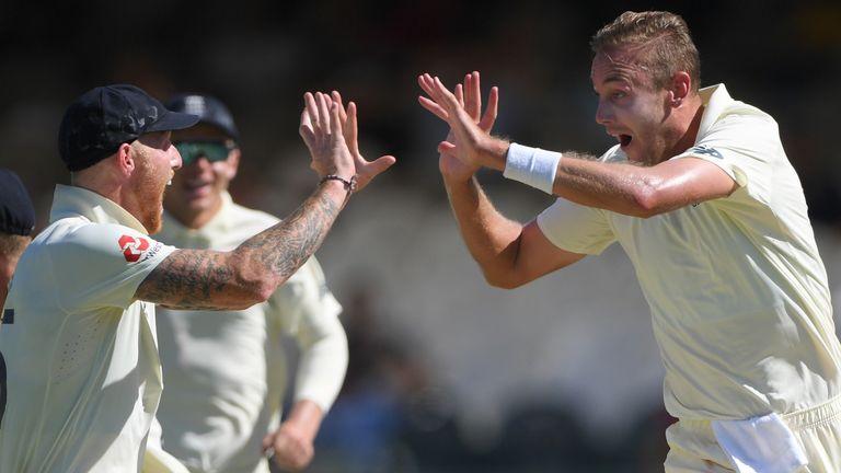 Stuart Broad picked up the key wicket of Rassie van der Dussen