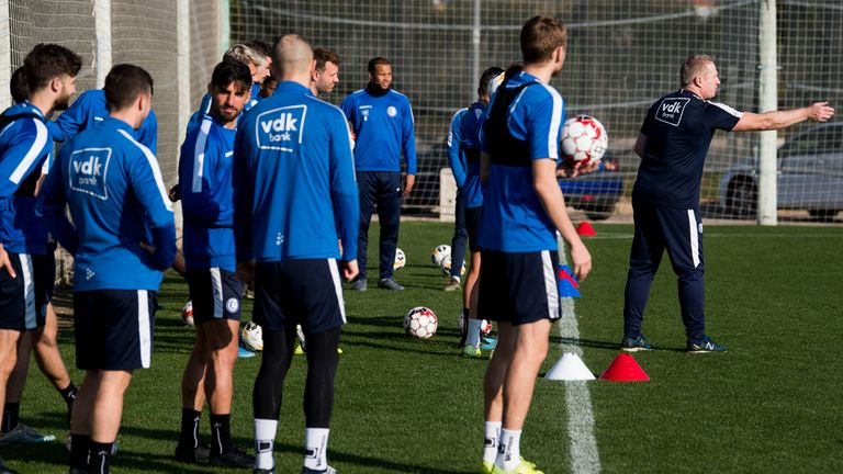 Thomas Gronnemark working with the players from Belgian club Gent during a winter training camp in Spain in January 2020