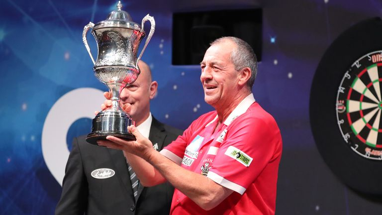 Wayne Warren's triumph at the BDO World Championship made him the tournament's oldest world champion
