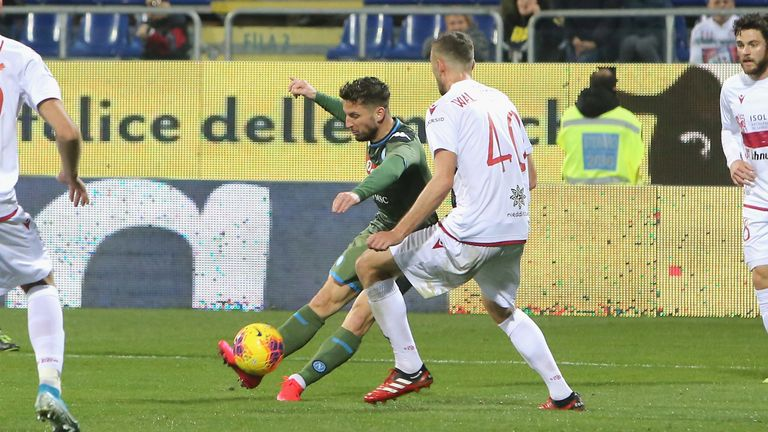 Dries Mertens scores with a brilliant strike to give Napoli victory over Cagliari