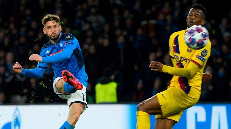 Dries Mertens' 30th-minute strike puts Napoli ahead against Barcelona
