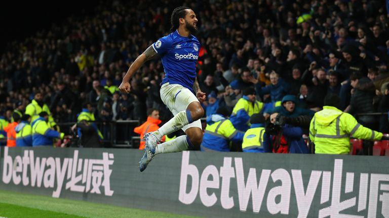 Walcott jumps for joy after completing Everton's stunning comeback