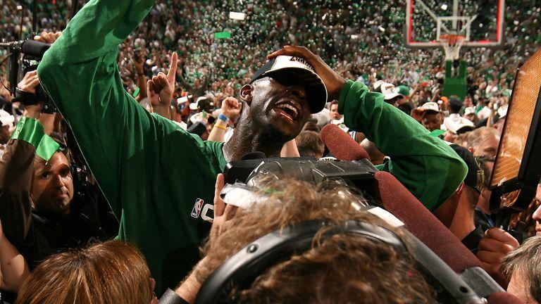 Kevin Garnett celebrates Boston's victory in 2008 NBA Finals