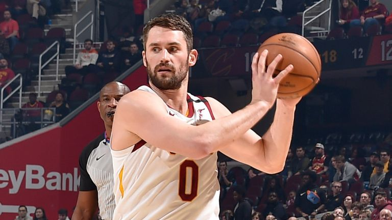 Kevin Love prepares to drive into the lane against the New York Knicks
