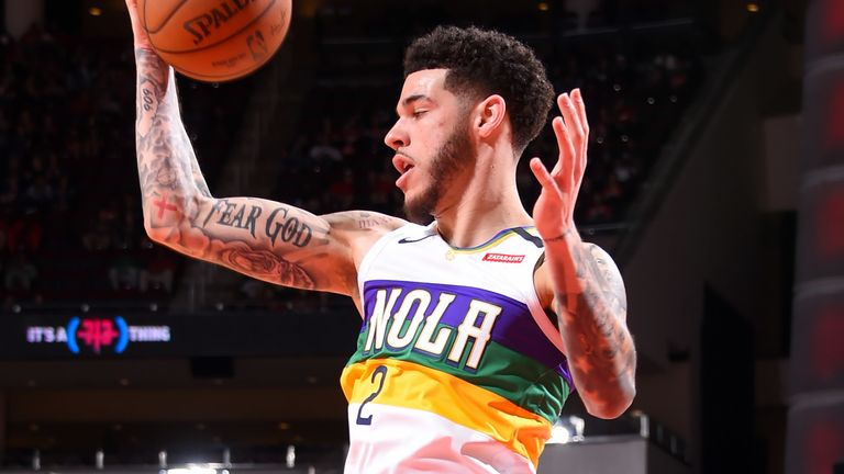 Lonzo Ball collects a pass during the Pelicans' loss to the Rockets