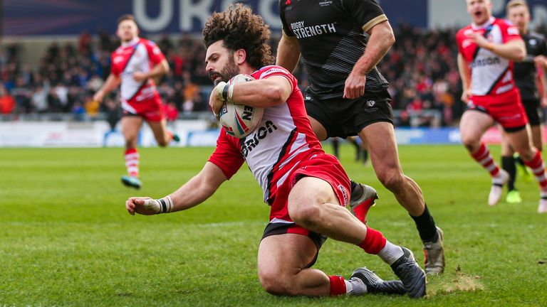 Niall Evalds' late try secures win for Salford over new boys Toronto