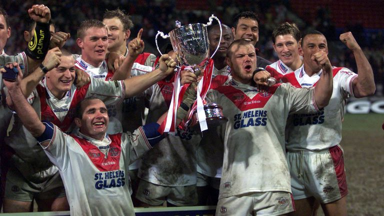 St Helens celebrate after beating Brisbane Broncos in the 2001 World Club Challenge