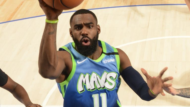 Tim Hardaway Jr shoots a floater against the Timberwolves