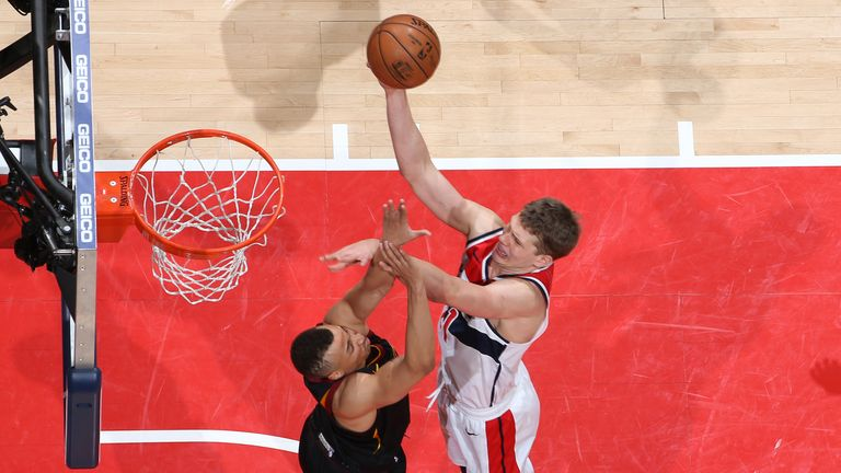 Moritz Wagner of the Washington Wizards shoots the ball against the Cleveland Cavaliers
