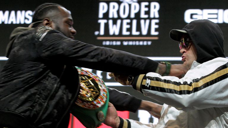 Wilder shoves Fury