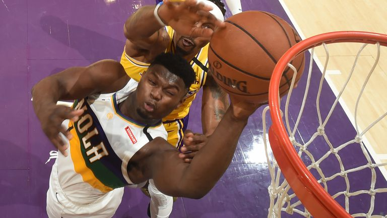 Zion Williamson attacks the rim against the Los Angeles Lakers