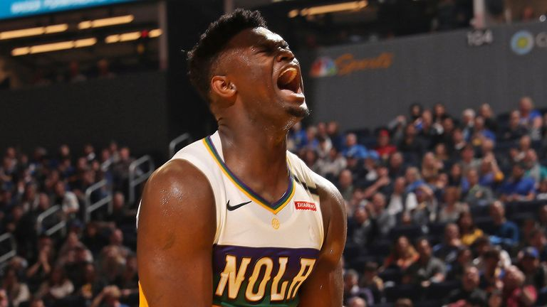 Zion Williiamson celebrates a Pelicans basket against the Warriors