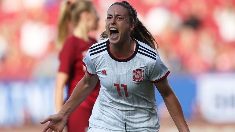 Alexia Putellas celebrates scoring Spain's winner against England