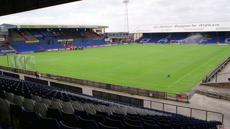 12 Aug 2000: General view of the stadium before the Nationwide League Division Two match between Oldham Athletic and Port Vale at Boundary Park in Oldham, England. Picture by Gary Benson. \ Mandatory Credit: Allsport UK /Allsport
