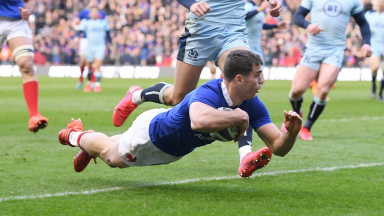 Damian Penaud goes over for France's first try