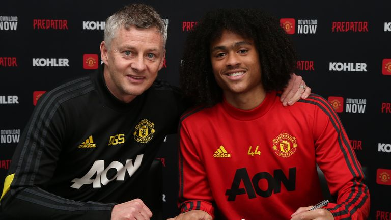 Tahith Chong has signed a new deal with Manchester United