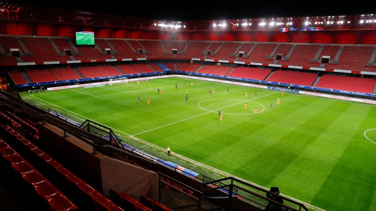 The Tournoi de France match between France and Netherlands is played behind closed doors due to the Coronavirus pandemic