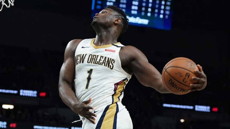Zion Williamson takes flight for a dunk in the Pelicans' win against the Timberwolves