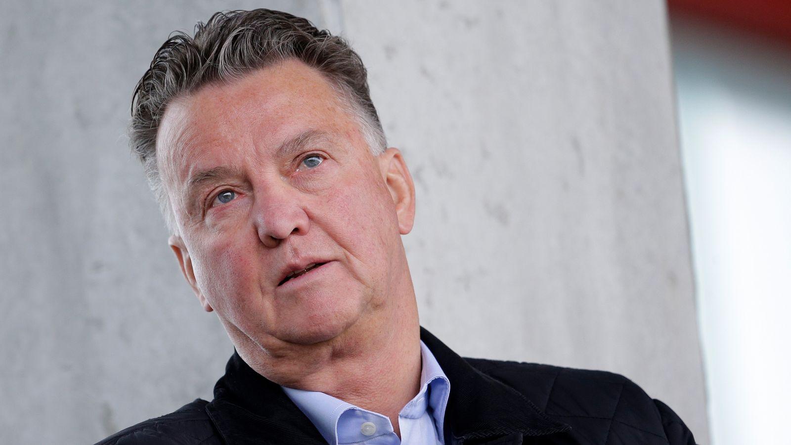Louis van Gaal acusa a Ajax de intentar utilizar la crisis del coronavirus para su propio beneficio | Noticias de futbol 51