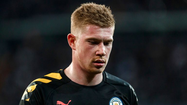MADRID, SPAIN - FEBRUARY 26: (BILD ZEITUNG OUT) Kevin De Bruyne of Manchester City looks on during the UEFA Champions League round of 16 first leg match between Real Madrid and Manchester City at Bernabeu on February 26, 2020 in Madrid, Spain. (Photo by DeFodi Images via Getty Images)