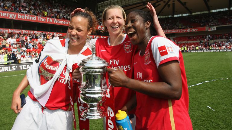 NOTTINGHAM, UNITED KINGDOM - MAY 05: Lianne Sanderson of Arsenal celebrates with Jane Ludlow (c) and Anita Asante (r) the The FA Womens Cup Sponsored by E.ON match between Arsenal and Leeds United at the City Ground on May 5, 2008 in Nottingham, England. (Photo by Laurence Griffiths/Getty Images)
