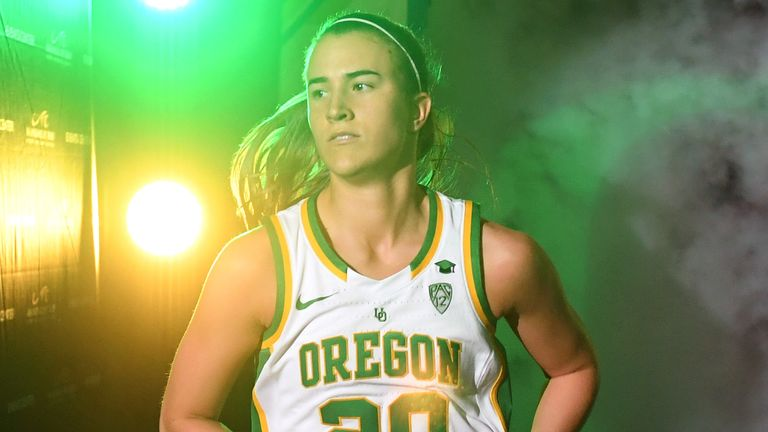 Projected No 1 draft pick Sabrina Ionescu runs onto the court for an Oregon Ducks game