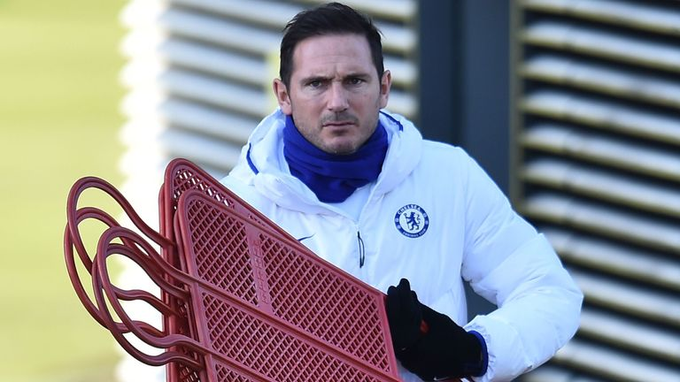Frank Lampard prepares for Chelsea training