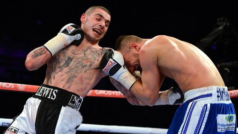 Laight had 212 more fights than Ritson when they met