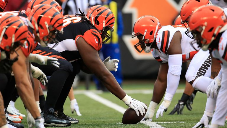 The line of scrimmage of the Cincinnati Bengals against the Cleveland Browns