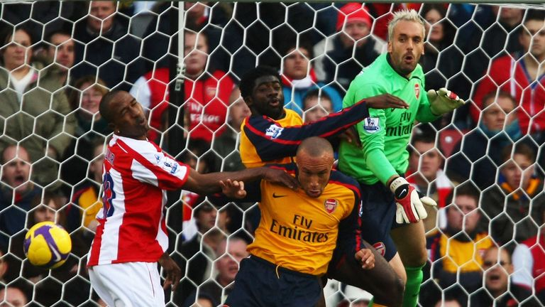 Arsenal found it difficult to combat Stoke's aerial threat