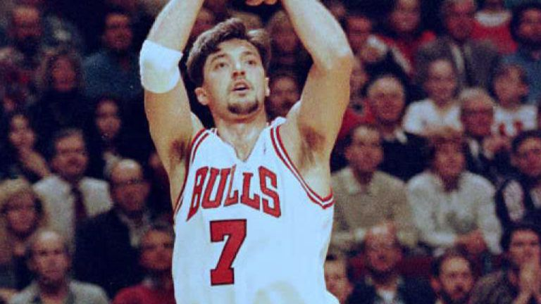 Toni Kukoc fires from three-point range for the Chicago Bulls