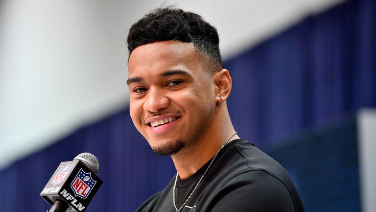 Tua, Dolphins agree to 4-year, $30.28M deal