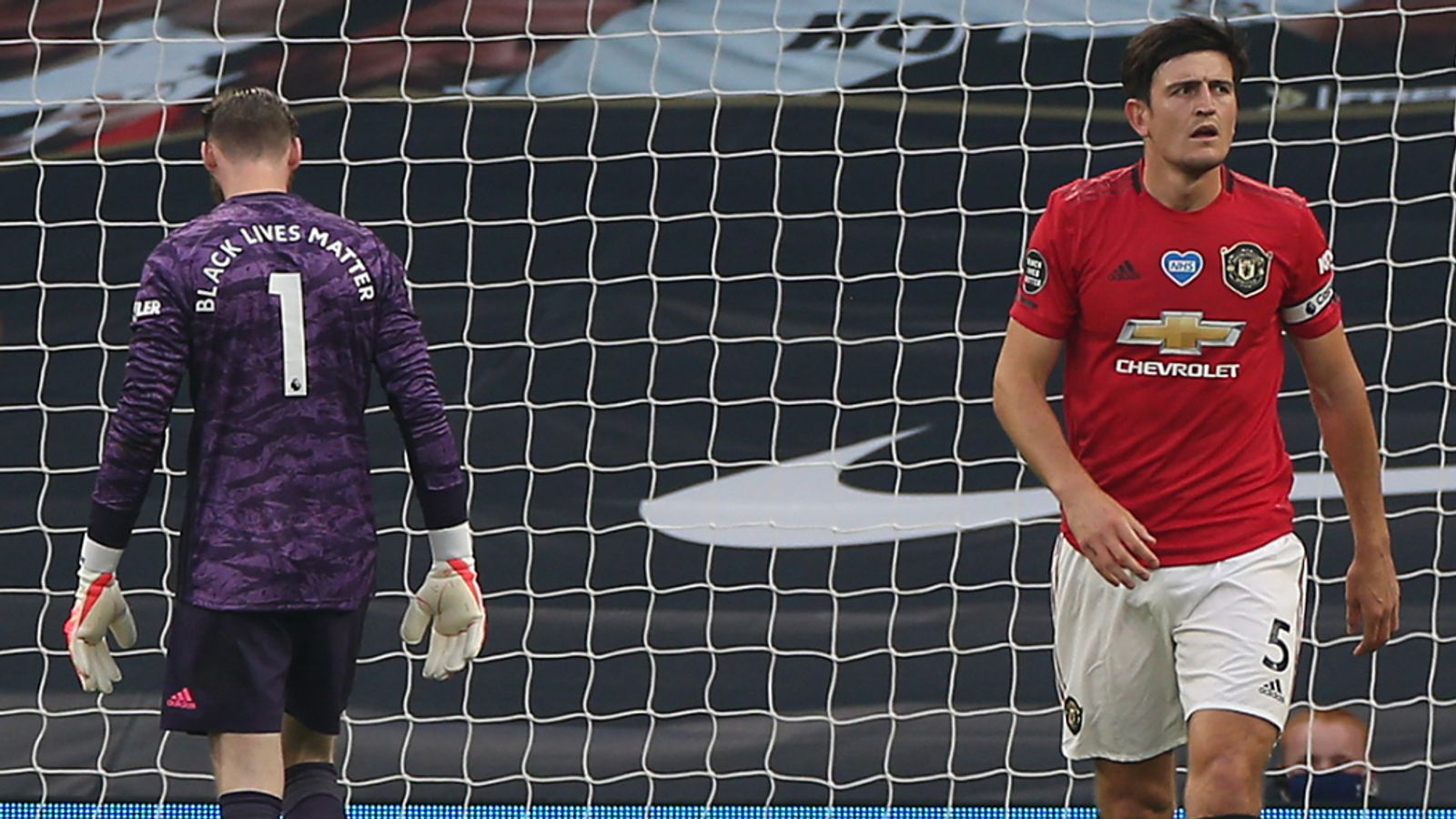 Roy Keane furious with Harry Maguire and David de Gea errors ...